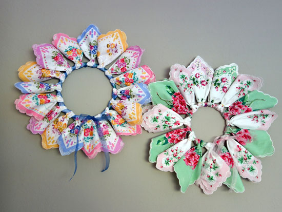 How To Make A Hankie Wreath Bumblebee Linens