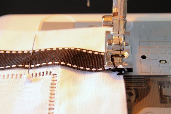 Ribbon Trimmed Napkin Process 6
