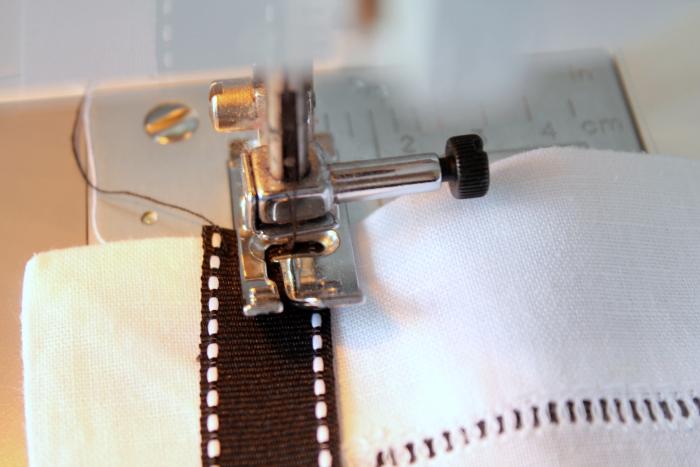 Ribbon Trimmed Napkin Process 7