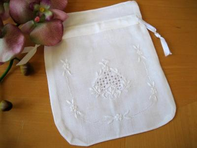 Set of 3 Linen Favor Bags with White Embroidered Flowers