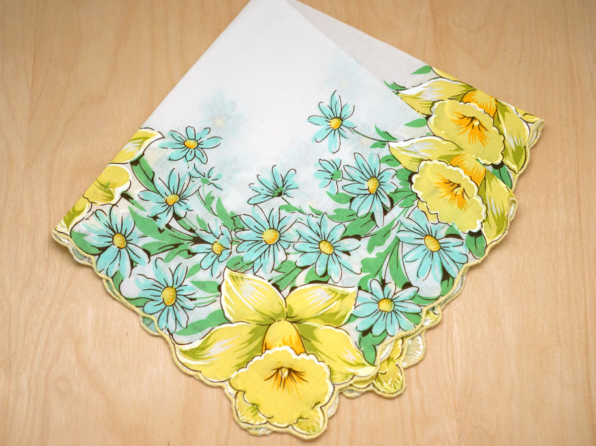 Vintage Inspired Yellow Daffodils Print Hankie