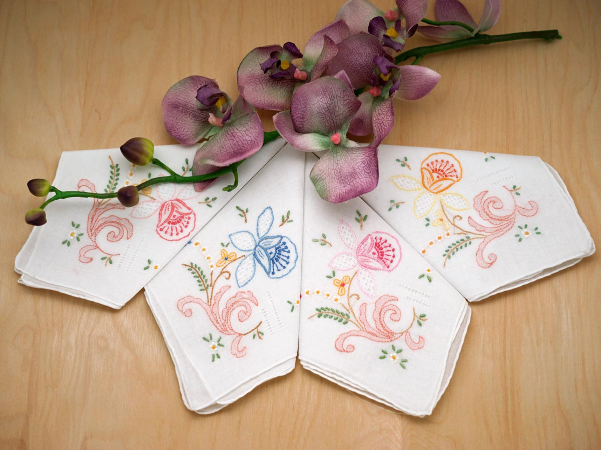 Set of 4 Mix Color Tulips Handkerchiefs