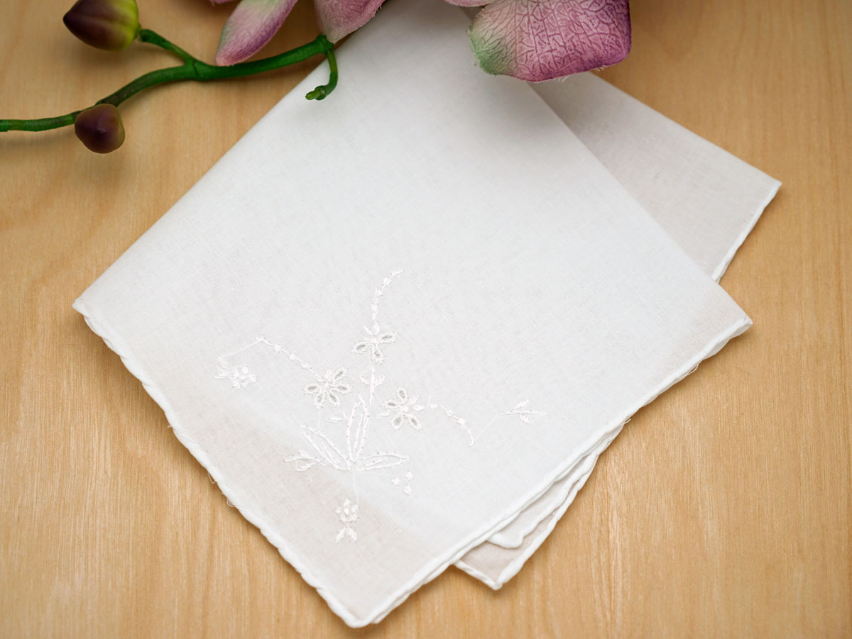 Set of 3 White Handkerchiefs with Delicate Embroidery