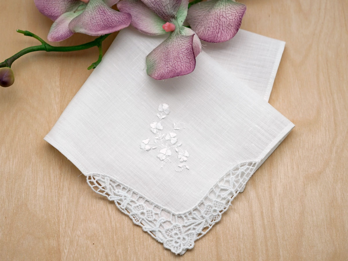 Irish Linen Shamrock Lace and Embroidered Handkerchief