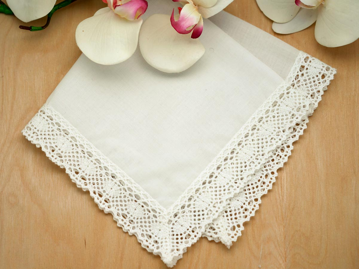 Set of 3 Ivory Honeycomb Lace Ladies Handkerchiefs