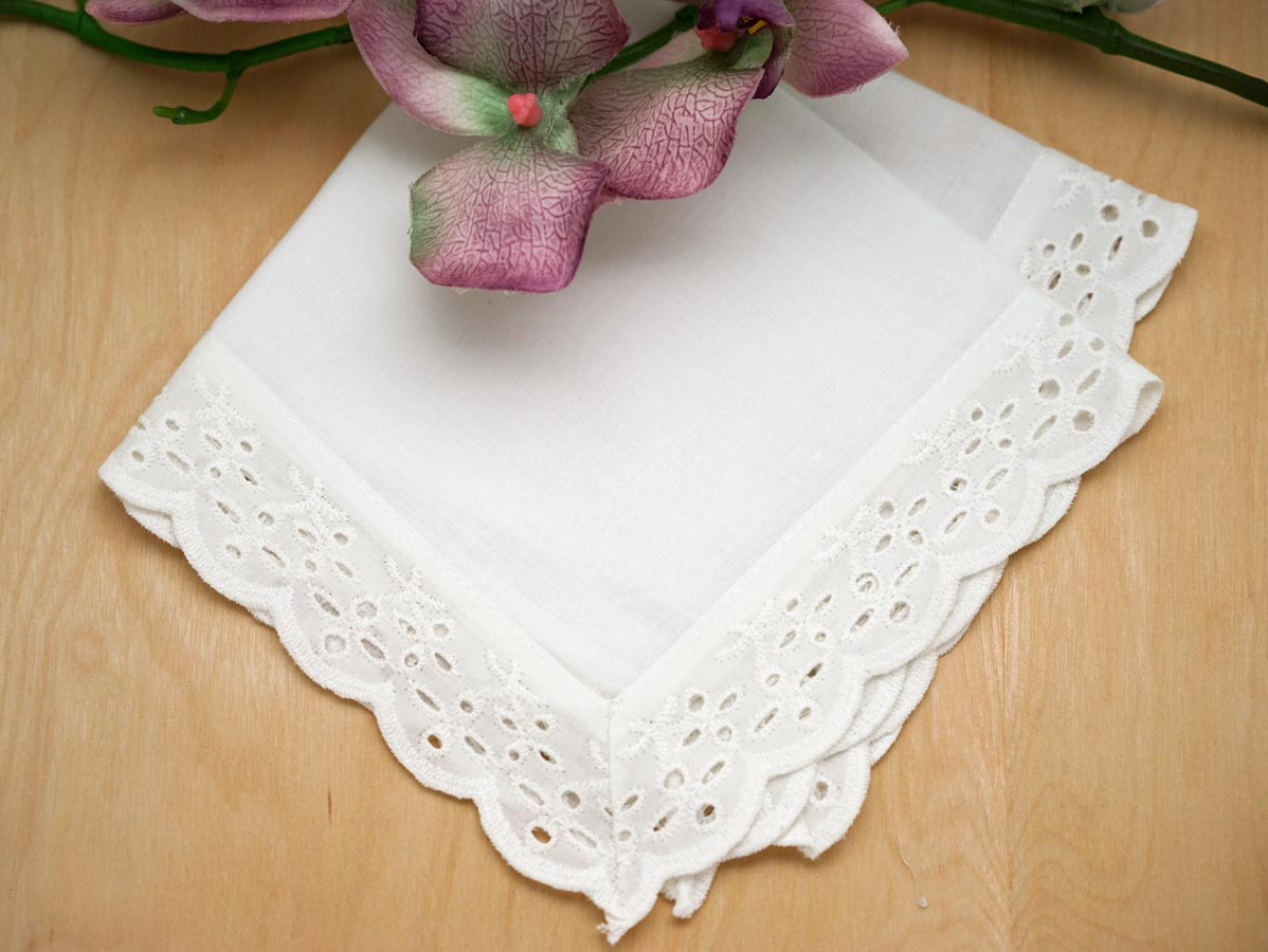 White Scallop Eyelet Lace Ladies Handkerchief