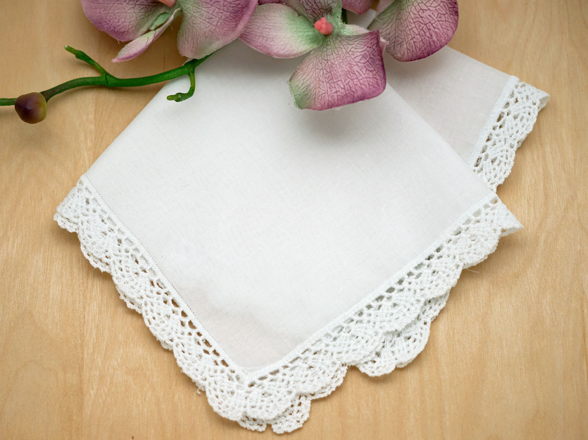 Set of 3 Small Scalloped Cluny Lace Handkerchiefs