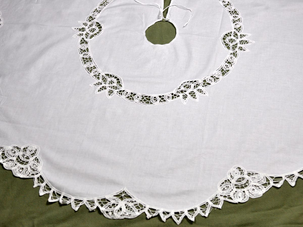 White Battenburg Christmas Tree Skirt
