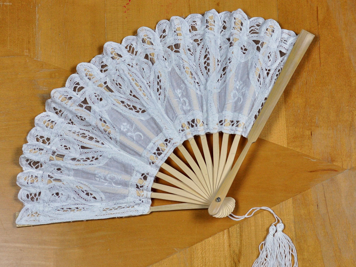 White Victorian Battenburg Lace Fan
