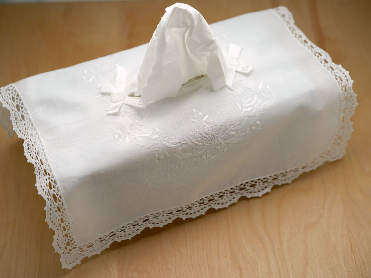 Tissue Box Cover with a Embroidery and Crochet Lace
