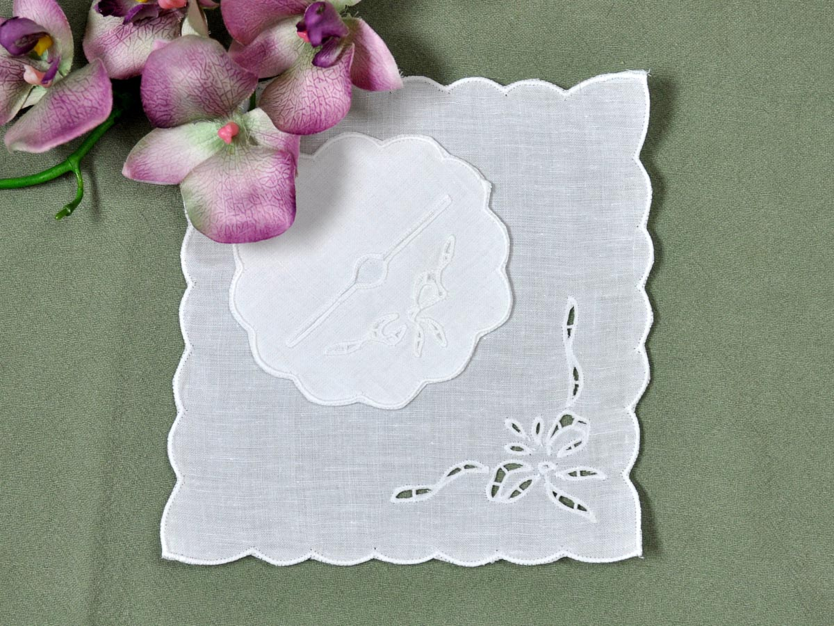 Set of 4 Cutwork Lace Bow Cocktail Napkins and Wine Footies