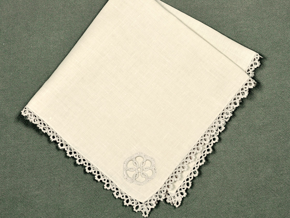 1 Dozen Ecru Dinner Napkins with Tatting Lace