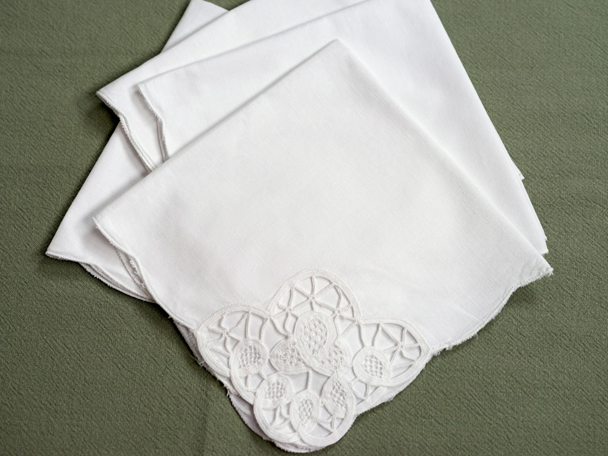 1 Dozen White Tulip Cutwork Linen Dinner Napkins