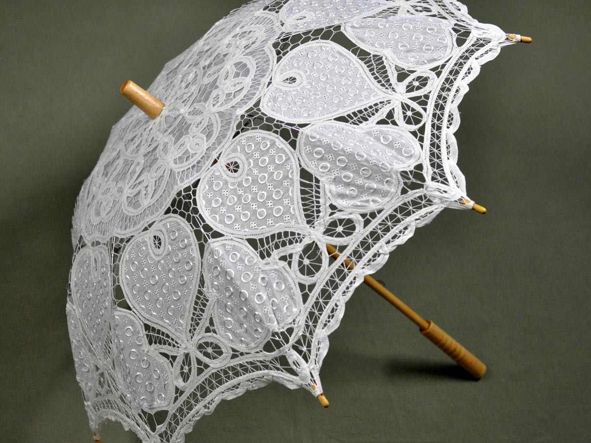 White Autumn Foliage Battenburg Lace Parasol