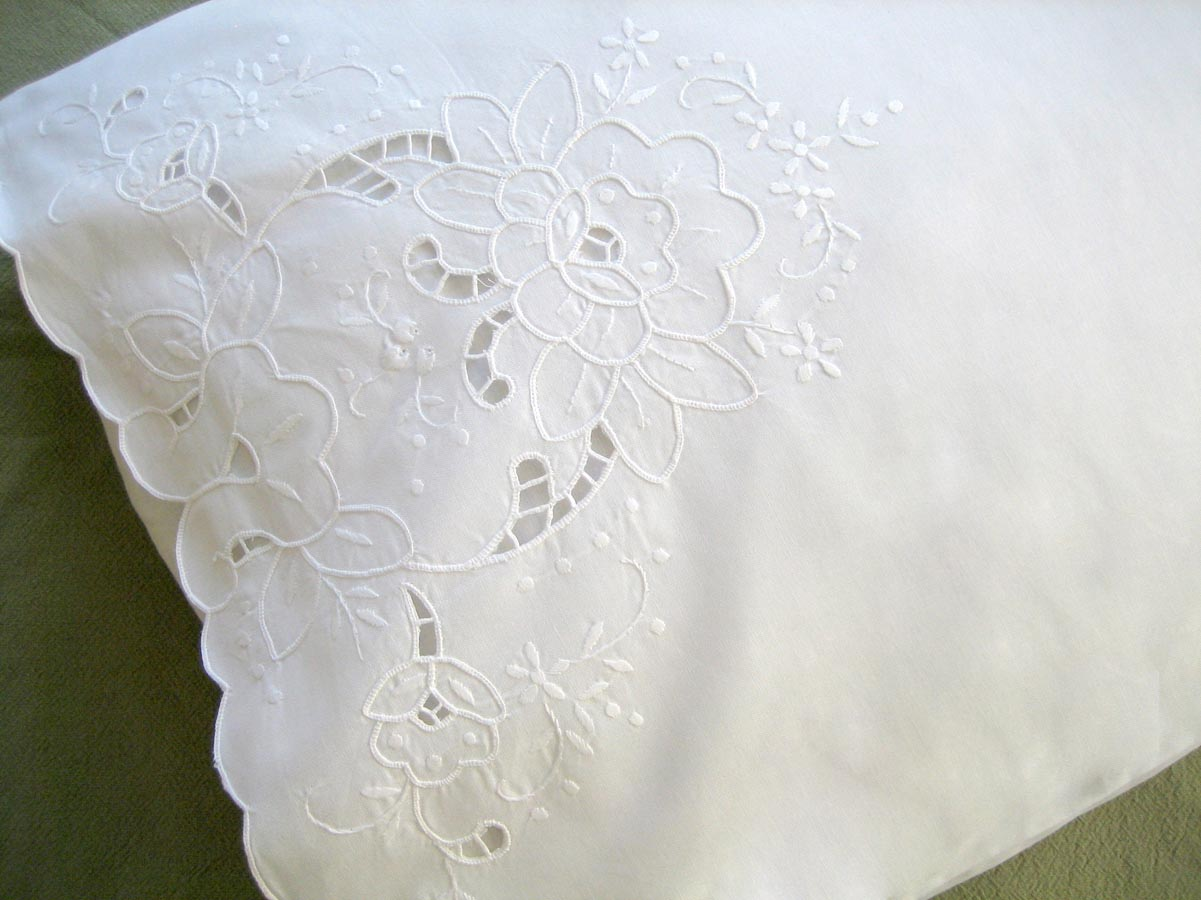 Pair of Linen Pillowcases with Lotus Cutwork