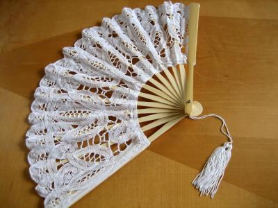 White Wedding Battenburg Lace Fan