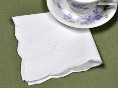 1 Dozen Tea Napkins with a Embroidered White Daisy Bouquet