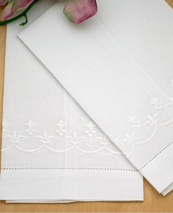 Set of 4 linen hand towels with a fleur de lis design - Fleur de lis bath towels ...