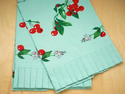 Set of 2 Blue Vintage Inspired Cherry Print Tea Towels