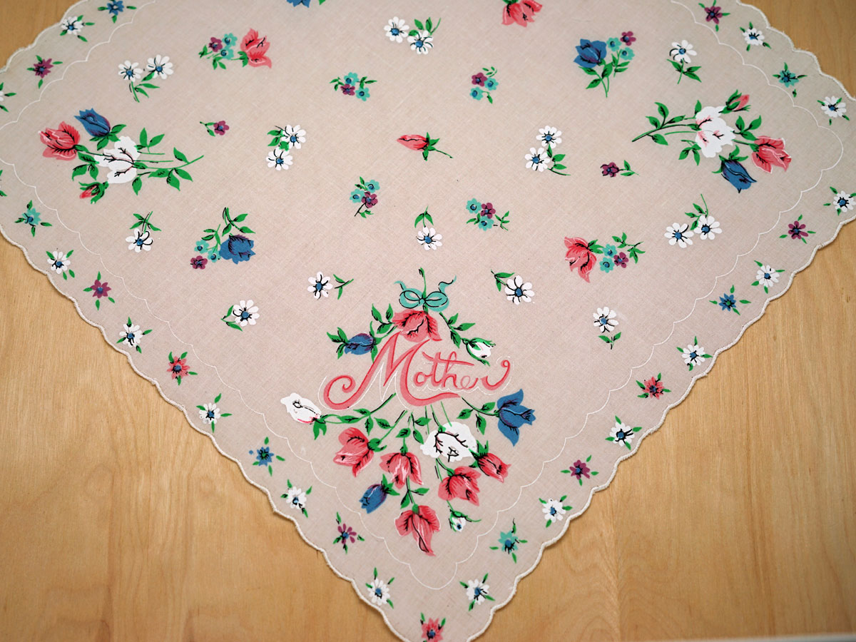 Vintage Inspired Mother Rosebuds Print Hankie