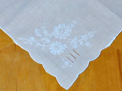 Set of 3 White Handkerchief with Daisy Embroidery