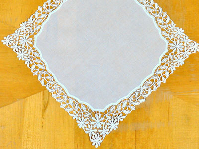 Ivory Daisy German Plauen Lace Ladies Handkerchief