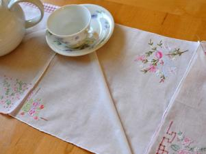 How To Make A Hankie Table Runner