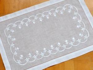 White Hemsched Linen Placemats With Fleur De Lis